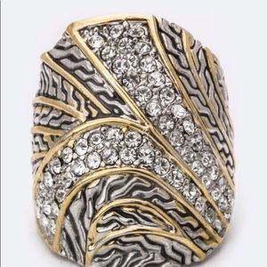 💕Gorgeous💕 Textured w Faux Jewel Encrusted Ring